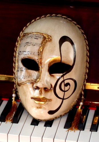 Allegro Treble Clef Lifesize Venetian Mask