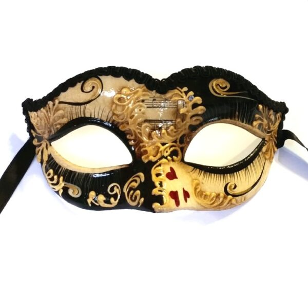 Queen of Hearts Mask