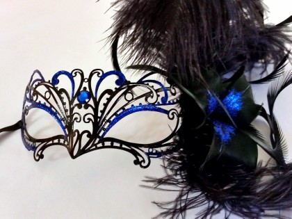 Chelsea feather blue mask side on