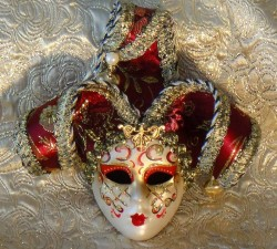 ouise Jester Decor Mask