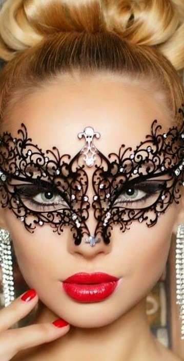 Bella Masquerade Mask with Crystals
